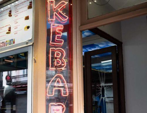 Banalité et temps qui passe : de la carte postale au kebab.
